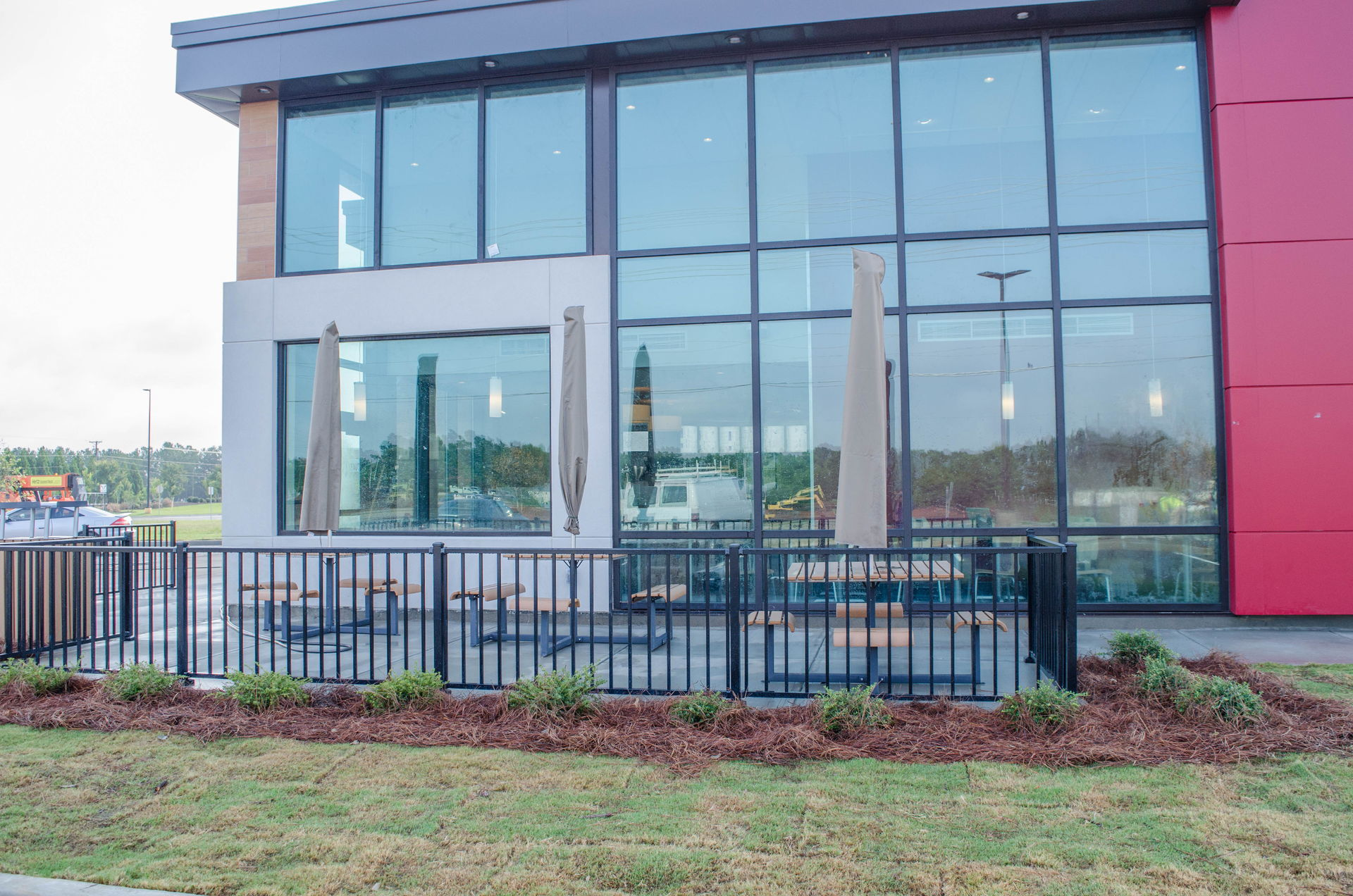 Restaurant commercial landscape in Augusta, GA improves look of space.