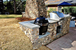 Outdoor kitchen living space Bluffton, SC.
