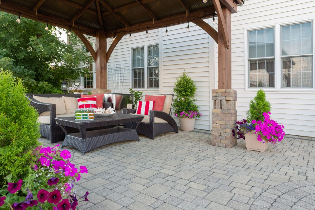 How to Design a Landscape Perfect for Entertaining 3