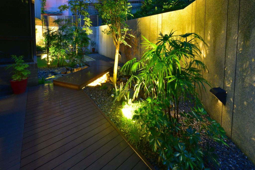 How to Choose the Perfect Lighting for Your Outdoor Space 3