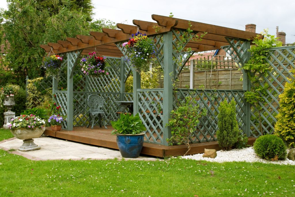 4 Reasons to Install a Gazebo in Your Yard 3