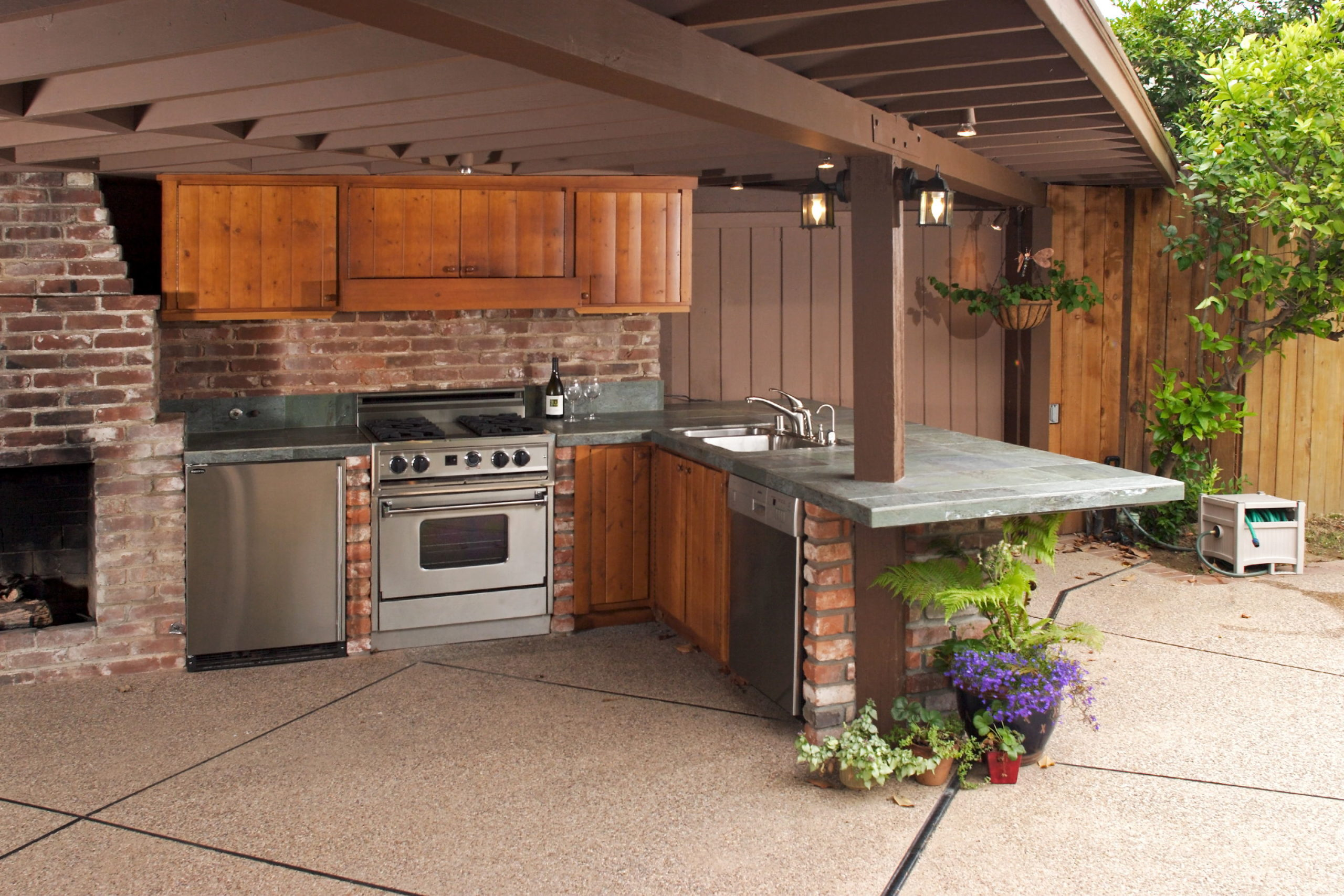 5 Tips for Designing an Outdoor Kitchen 5